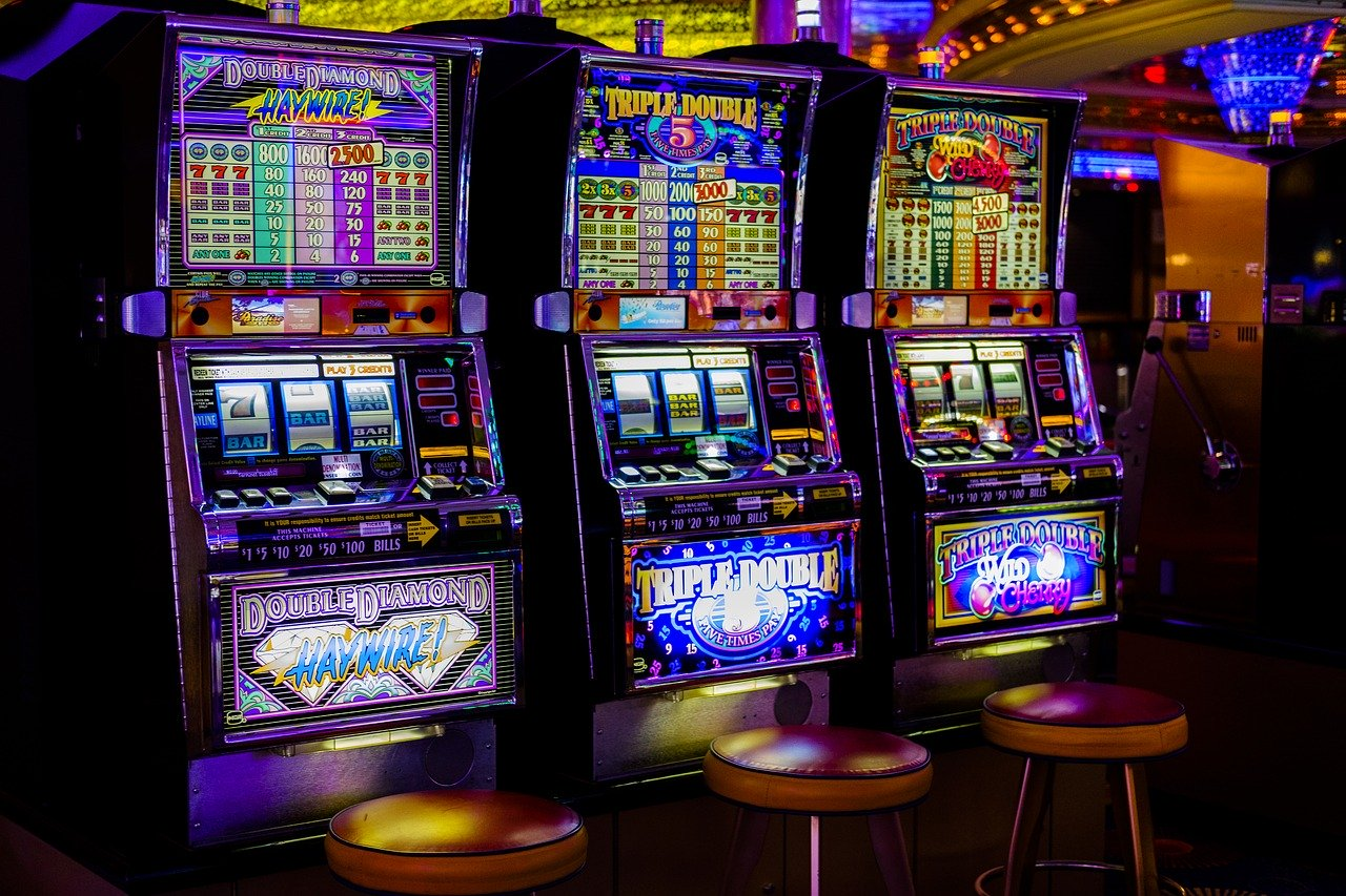 What are those hacks that can make you a winner in gambling?