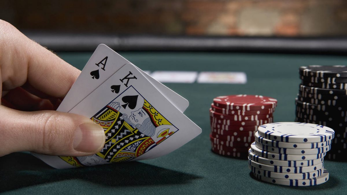 Pros of playing poker in the internet that no one might have told you